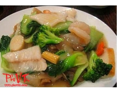 33. Com Xao Do Bien - Stir fry seafood on rice
