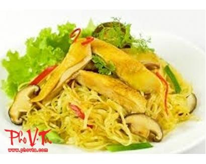 37. Mi Xao Ga - Chicken chow mein