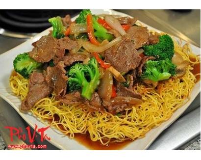 38. Mi xao bo - Beef chow mein