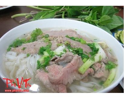 17. Pho Dac Biet - Special beef noodle soup