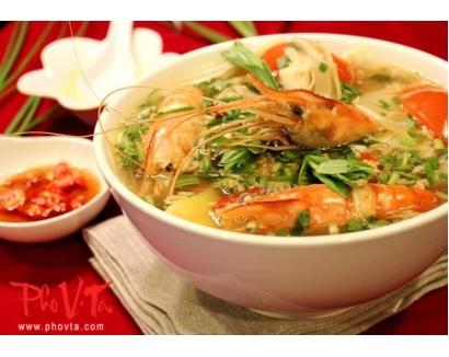 8. Canh Chua Tom - Shrimp hot n'sour soup
