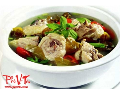 9. Canh Chua Ga Chicken hot n'sour soup