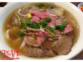 Pho tai, nam - Rare beef slices and brisket