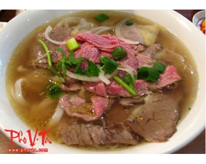 19. Pho tai, nam - Rare beef slices and brisket