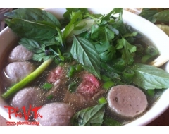 Pho tai, Bo vien - Rare beef slices and beef balls