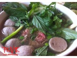 Pho tai, Bo vien - Rare beef slices and beef balls