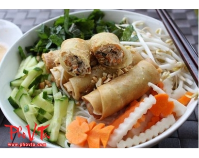 24. Bun cha gio - Vermicelli with spring rolls